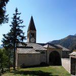 Eine Kirche im Maira Tal