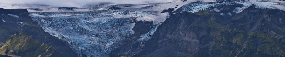 Berge und Gletscher auf Island