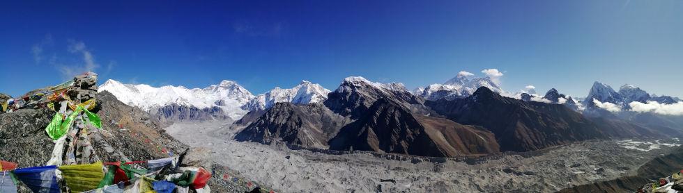 Berge im Hintergrund