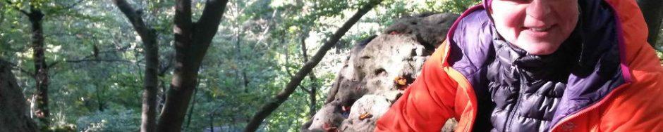 Klettern mit Helm und Daunenjacke